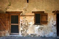 老别墅墙壁 免版税库存照片