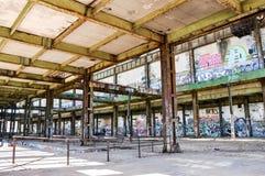 老动力火车:结构钢建筑学 库存照片