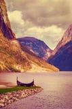 老北欧海盗小船在挪威 免版税库存照片