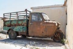 老单轮卡车 免版税库存照片