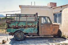 老单轮卡车 库存图片