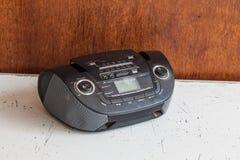 老卡式磁带和收音机球员 库存图片