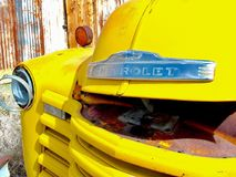老卡车黄色 库存图片