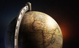 老历史地图桌面金属地球 免版税库存照片