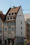 老历史廉价公寓在弗罗茨瓦夫,波兰-12 09 2016年 库存照片