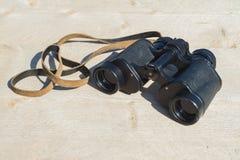 老双筒望远镜 库存照片