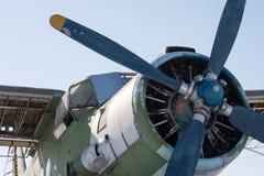 老双翼飞机 免版税库存照片