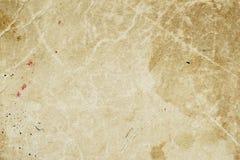 老发霉的纸纹理与土的弄脏,斑点,包括纤维素,棕色纸板纹理背景,难看的东西 库存图片