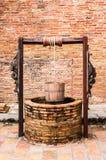 老古老水桶木头葡萄酒 免版税图库摄影