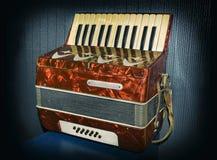 老古色古香的手风琴 库存照片