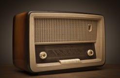 老古色古香的收音机 免版税库存照片