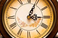 老古色古香的时钟 免版税库存图片