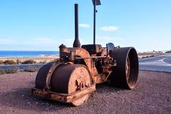 老古色古香的蒸汽路辗 免版税库存照片