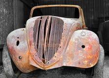 老古色古香的经典汽车 免版税库存照片