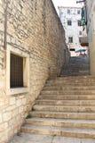 老台阶在希贝尼克,克罗地亚 库存图片