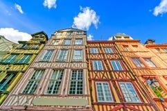 老木门面在鲁昂。 诺曼底,法国。 库存照片