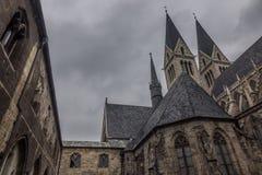 老和古老大教堂在哈尔贝尔斯塔特,德国 图库摄影