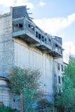 老和损坏的阳台 编译老 免版税库存图片