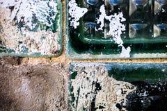 老和损坏的玻璃砖表面 图库摄影