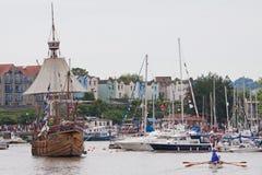 老和新在布里斯托尔码头 免版税图库摄影
