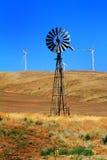 老和新的可靠的能量 免版税库存图片