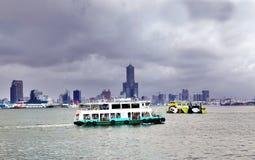 老和新的跨港口轮渡 免版税库存图片