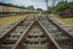 老和被放弃的旅客列车 免版税库存照片