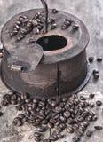 老咖啡烘烤器 免版税库存照片