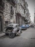 老哈瓦那街道的技工  库存照片