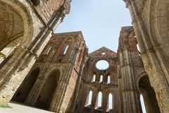 老哥特式修道院-圣Galgano,托斯卡纳,意大利修道院  免版税库存图片