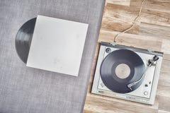 老唱片和转盘 库存照片