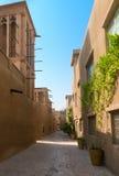 老商人处所的微小的巷道Bastakiya在迪拜 库存图片