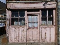 老商店前面在法国阿尔卑斯 免版税库存照片