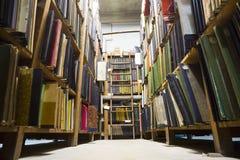 老图书馆书 库存照片