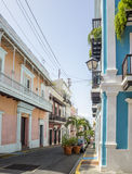 老圣胡安五颜六色的房子和街道  库存图片