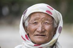 老地方妇女在拉达克 印度 免版税图库摄影