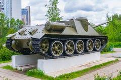 老坦克的纪念碑 免版税库存图片