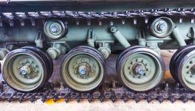 老坦克轮子,公开展示 库存照片