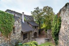 老城堡废墟在Gosting格拉茨 免版税库存图片