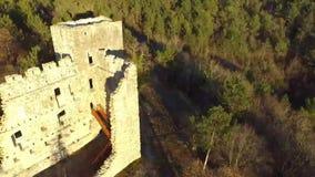老城堡的废墟从空气的 股票录像