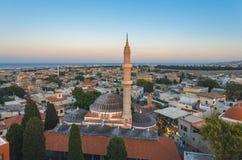 老城市和Suleymaniye清真寺的看法在晚上 免版税库存照片