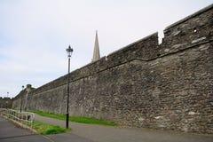 老城市墙壁, Derry,北爱尔兰 免版税图库摄影
