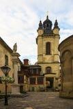 老城市的利沃夫州街道 免版税图库摄影