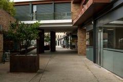 老城市的办公室街道 图库摄影