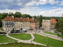 老城市的历史街道在华沙 免版税库存图片