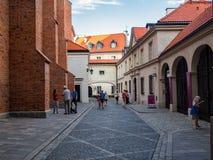 老城市的历史街道在华沙 库存图片