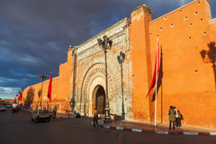 老城市门Bab Agnaou在马拉喀什 图库摄影
