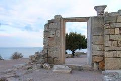 老城市Hersones墙壁的古老废墟  免版税库存图片