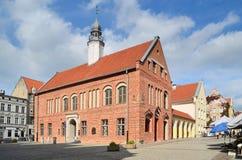 老城镇厅在奥尔什丁(波兰) 库存图片
