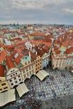 从老城镇厅塔的全景 布拉格 cesky捷克krumlov中世纪老共和国城镇视图 库存照片